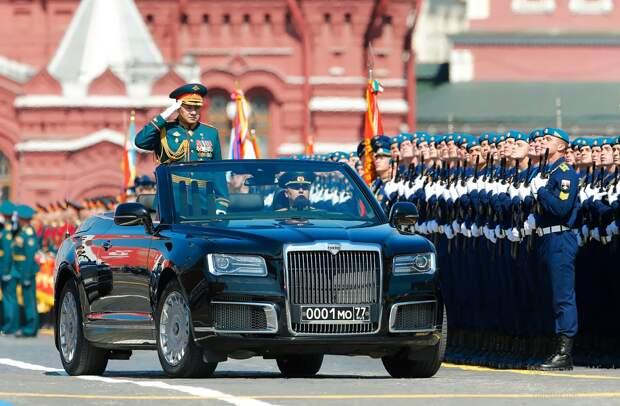 Парад в честь 75-летия Победы продемонстрировал связь времен