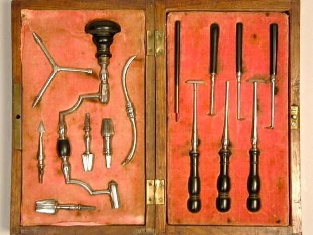 Набор для трепанации  (ок. 1760 г.)