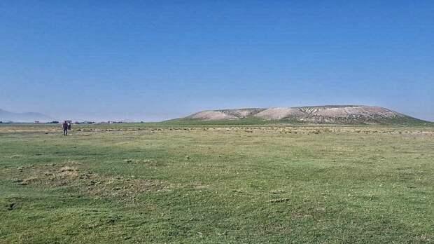 равнина и курган где погребена таинственная столица неизвестного царства