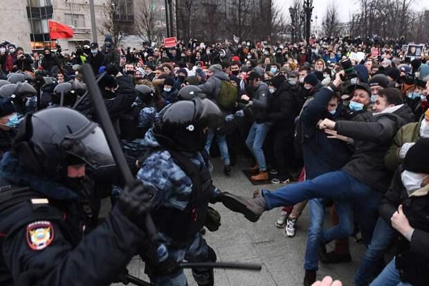 """""""Стоп. Снято. Уводите…"""": На какие сроки и штрафы """"нагуляли"""" демонстранты 23 января"""