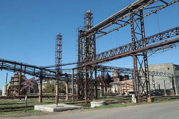 Стало известно о подготовке массового увольнения на связанном с Фирташем заводе