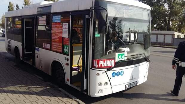 Ростовчане заявили отранспортных проблемах после уменьшения числа автобусов