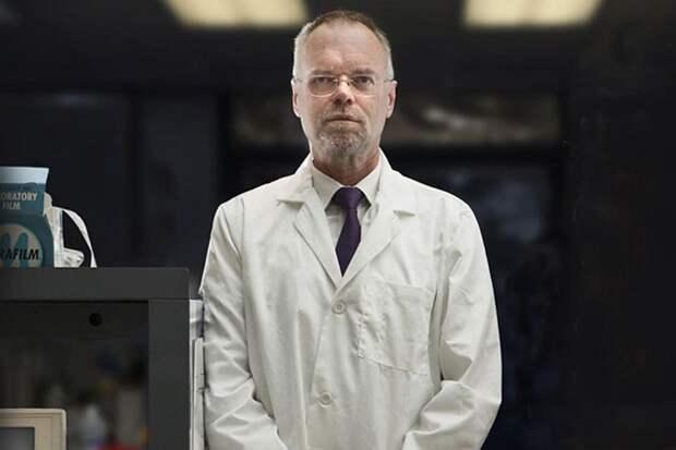 Билл Эндрюс и его команда смогли выделить ген человеческой теломеразы – фермента, который поддерживает длину теломер