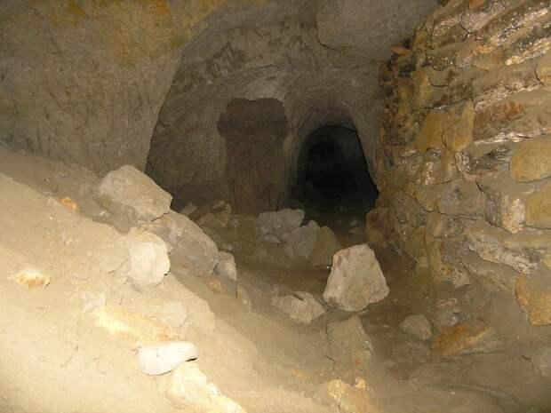 Узел из трёх тоннелей. Источник https://images.app.goo.gl/M9AGqjDdVtgfs7ur7