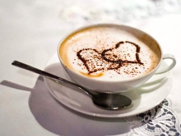 Нам следует пить чашку кофе в день ...
