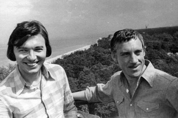21 снимок советских звезд в неформальной обстановке