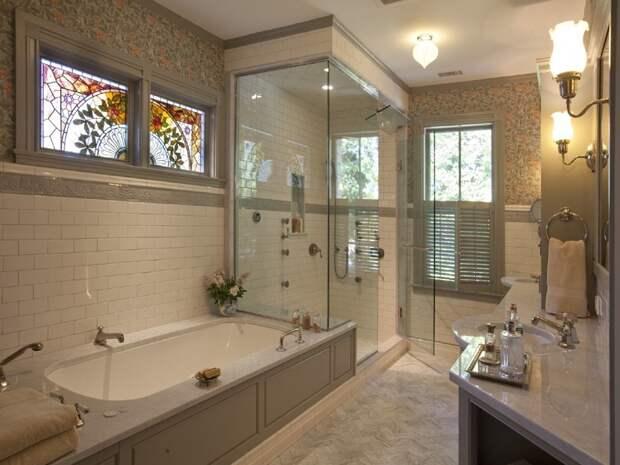 Зачем нужно окно между ванной и кухней и как его обыграть?