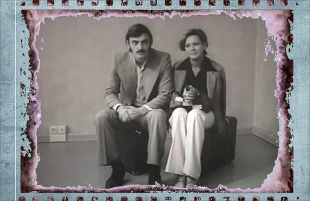 Коллаж автора, ретро реклама мебели с Михаилом Боярским