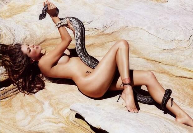 В костюме Евы: 20 эротических фотосессий со змеями