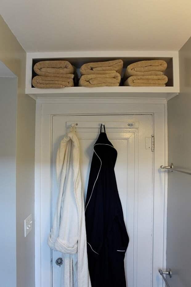 Самодельная полка для полотенец