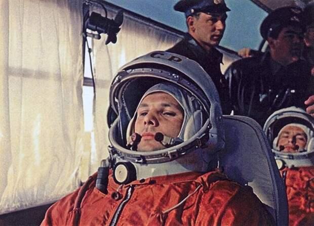 Главный пассажир — первый космонавт ЛАЗ, авто, автобус, автомир, гагарин, космодром, лаз-695б, юрий гагарин