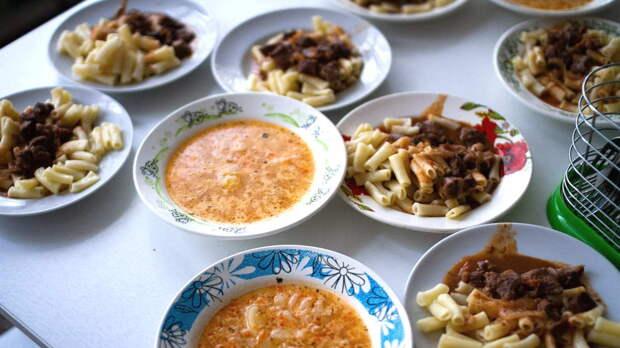 Назад в СССР: популярные блюда из советских столовых и секреты их приготовления