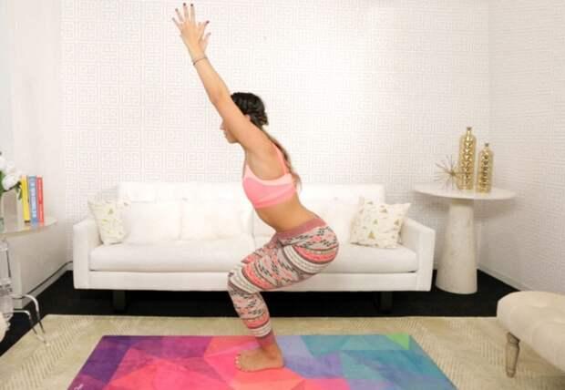 Упражнения, которые помогут справиться с обвисшим животом и лишним жиром на талии!