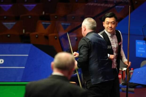Джон Хиггинс и Тянь Пэнфэй (фото: World Snooker)