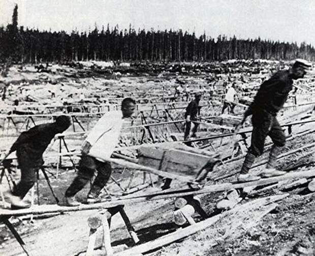 Заключенные на строительстве Беломорканала
