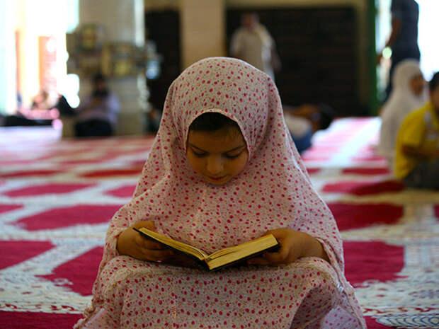 Великий муфтий Саудовской Аравии шейх Абдул-Азиз аш-Шейх заявил, что Совет богословов намерен ответить отказом на просьбу министерства внутренних дел ограничить брачный возраст 15 годами