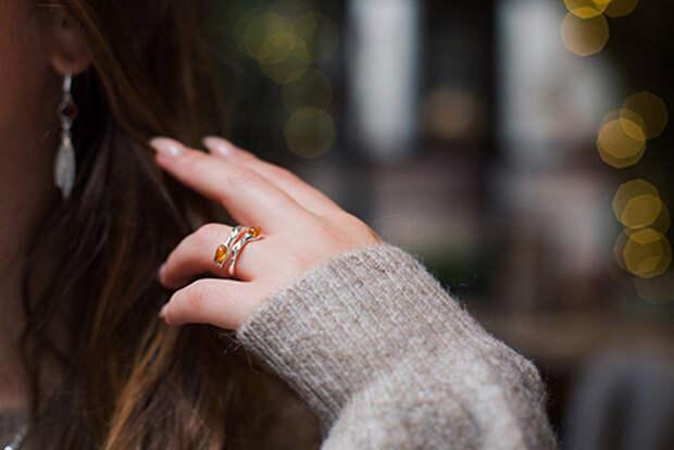 Янтарь кольца