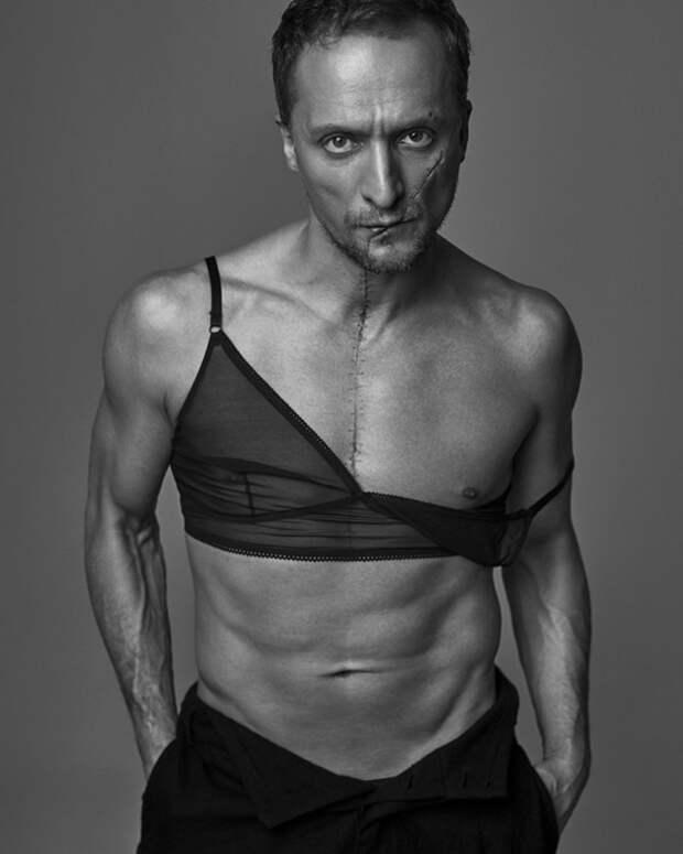11 эпатажных фото актёра Владимира Мишукова в женской одежде