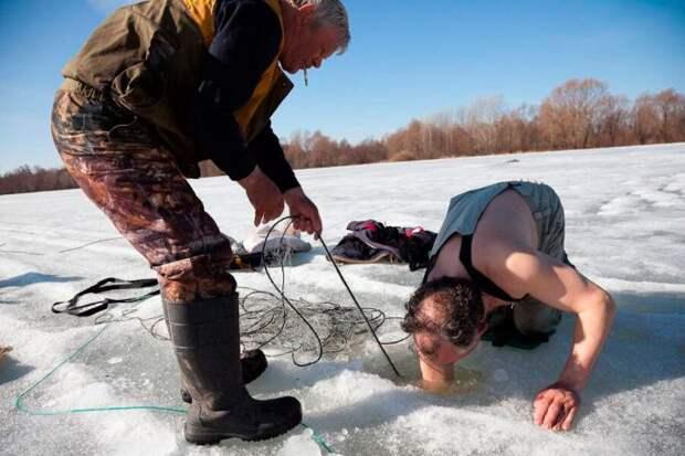 Установка сетей под лёд