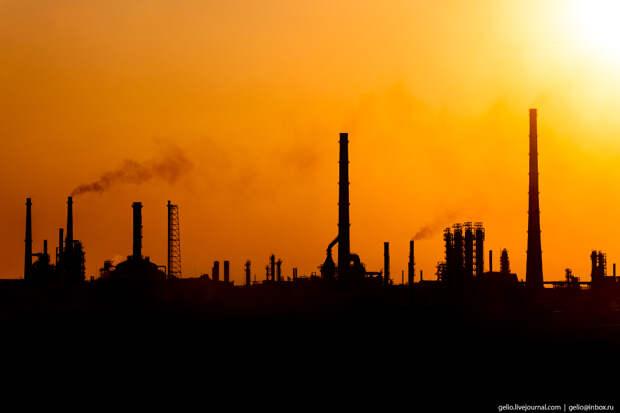 Тут делают бензин – нефтеперерабатывающий комплекс «Башнефти» в Уфе