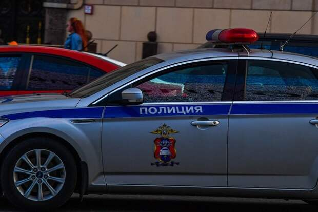 В стиле лихих 90-х: полицейские Кирова нашли очень экстравагантный способ доставки задержанного