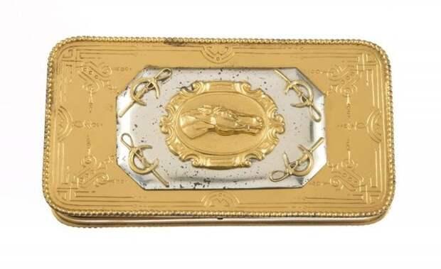 Продан за 31 тыс. долл. Весьма неплохо для предмета, который не золотой на самом деле!
