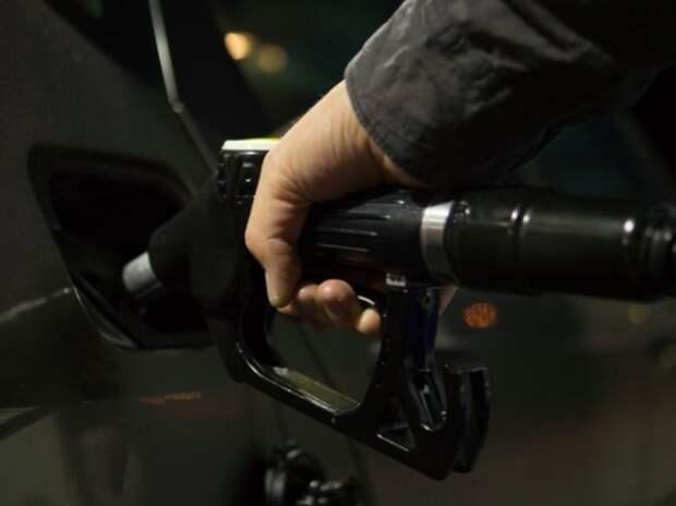 Российские цены на бензин стали одними из самых низких в Европе