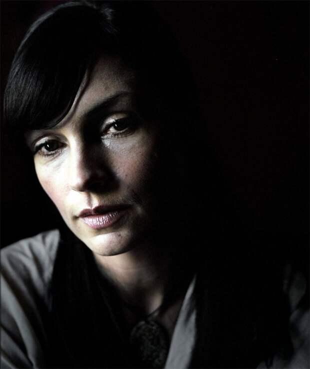 """Фамке Янссен. Та самая красотка учительница из фильма """"Факультет""""."""