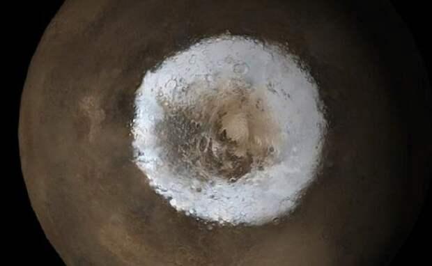 Астрономы объяснили загадку марсианских полюсов
