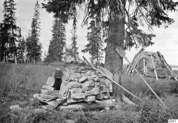 Каменная печь, которая использовалась для приготовления пищи.