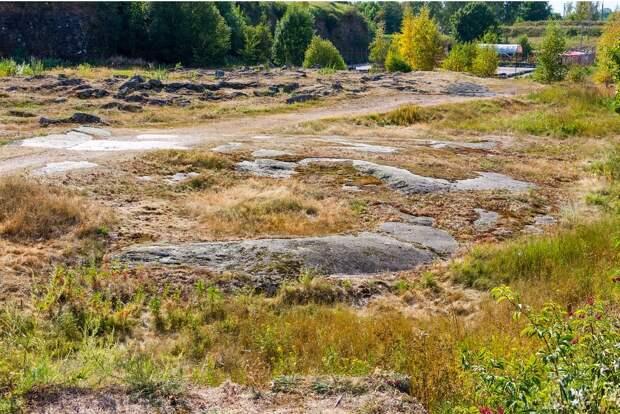 Скальные выходы на территории Анненских укреплений