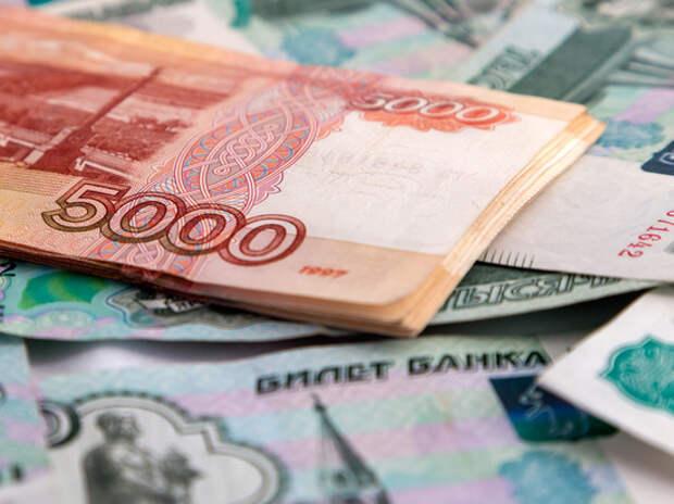 Минтруд разъяснил новые выплаты родителям-одиночкам: кому положены 5650 рублей