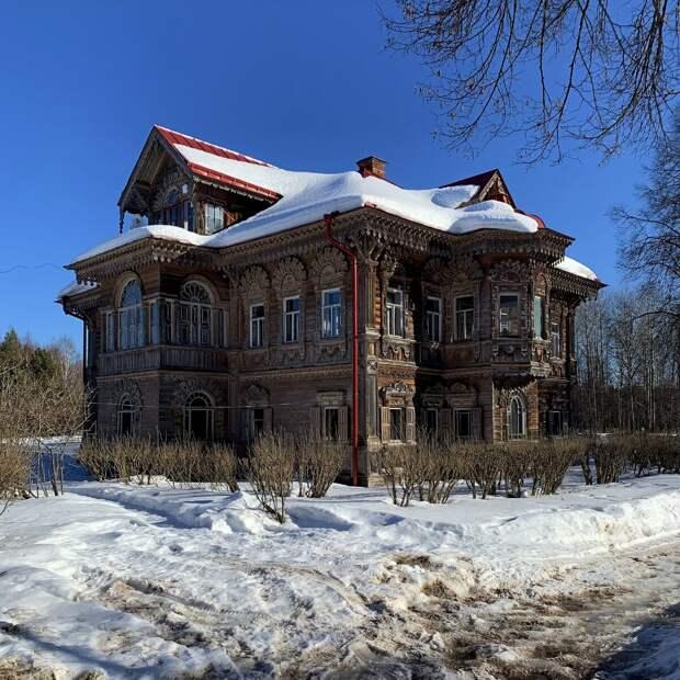Как русские крестьяне-соперники в Чухломских лесах удивляли соседей своими домами. Два терема: в Асташово и в Погорелово.