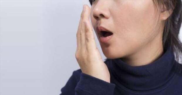 Парочка действенных способов, которые избавят от запаха чеснока без чистки зубов