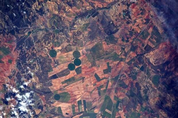 12. Фермерские поля в Альпере, Испании земля, космонавт, космос