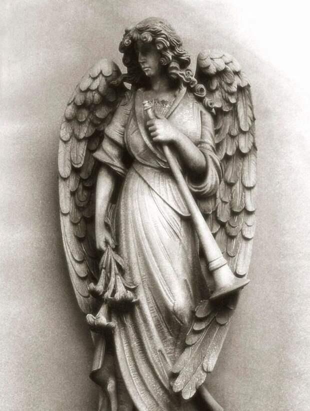 Габриэль (Гавриил) статуя
