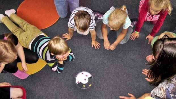 Современные игрушки: что такое «Поп-ит», «Симпл Димпл», «Трейд» и другие