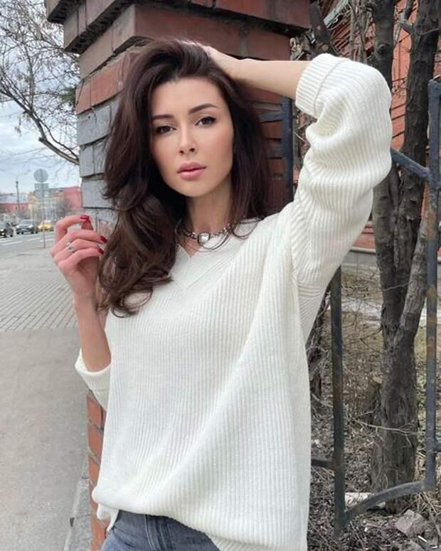 """Дочь Анастасии Заворотнюк прокомментировала вопросы о матери: """"Просто хотят сплетен"""""""