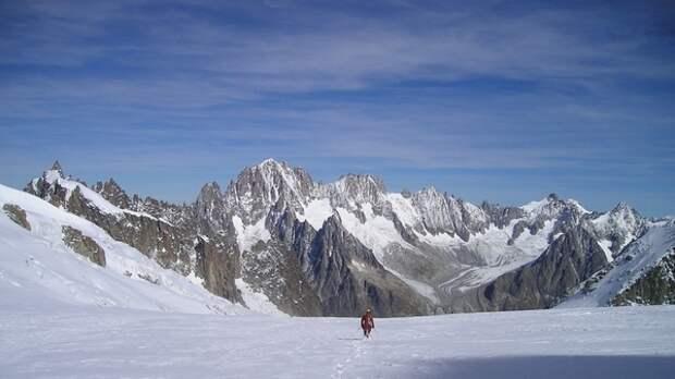 Организатора восхождения на Эльбрус задержали после гибели пяти альпинистов