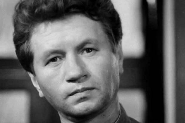 10 неожиданных фактов из биографии советских звезд