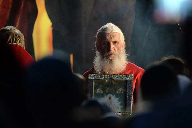 Патриарх Кирилл утвердил отлучение от церкви схимонаха Сергия