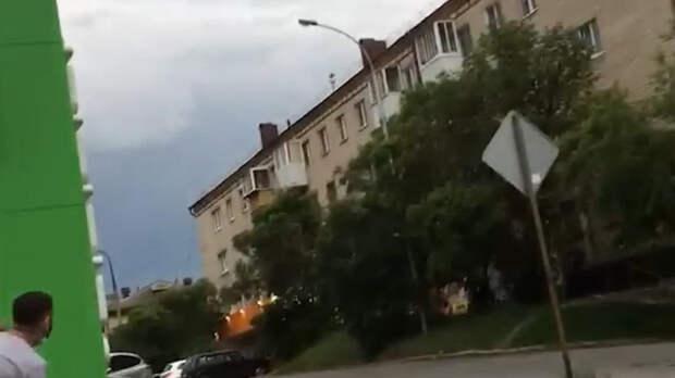 СМИ сообщили о взрыве возле дома уральского стрелка в Екатеринбурге