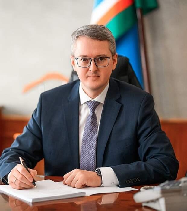 Долой винный кабинет: и.о. губернатора Камчатки перед выборами сократил изыски в столовой