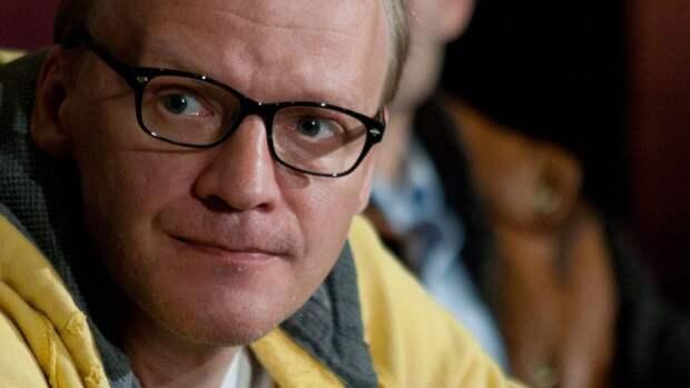 Актер Алексей Серебряков заявил, что не переезжал из России в Канаду
