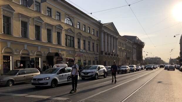 Петербуржцам пообещали резкую смену погоды