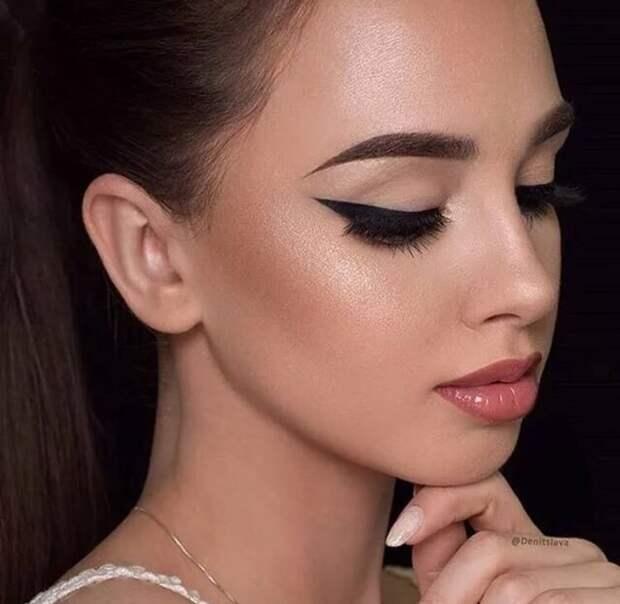 Ярко и привлекательно: несколько вариантов повседневного макияжа глаз, которые легко можно повторить