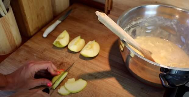Необыкновенно-ароматный яблочный пирог, влажное наслаждение 🥧🍏