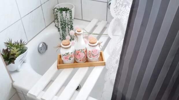 Больше никаких упаковок, разбросанных по ванне! Полезная идея для ванной комнаты