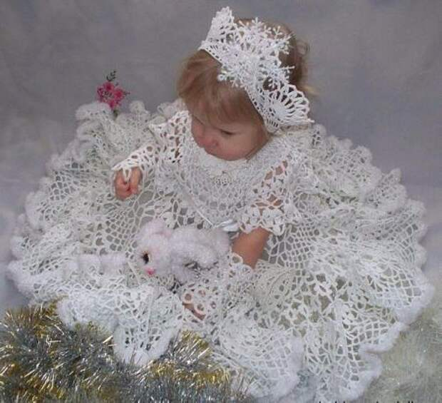 Мама связала костюм снежинки. Как вам?