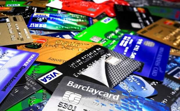 Mastercard рассказали, кому россияне чаще всего переводят деньги